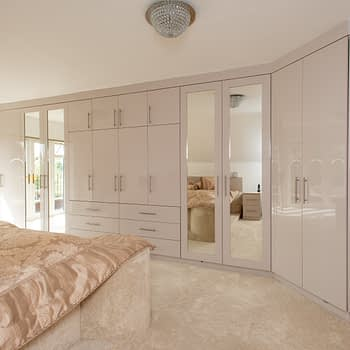 Bespoke Fitted Bedroom with Integrated Drawers